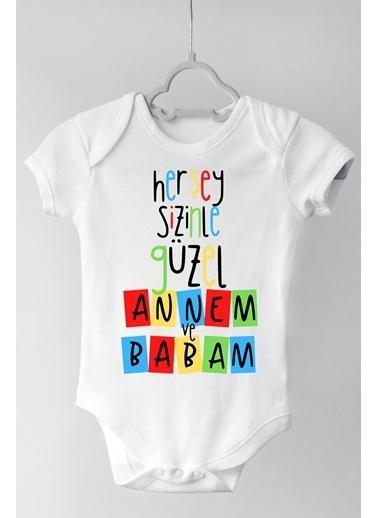 Happy Onesie Co Annem ve Babam Çıtçıtlı Bebek Body Beyaz